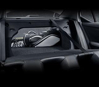 560L寬敞行李廂空間+6/4分離座椅